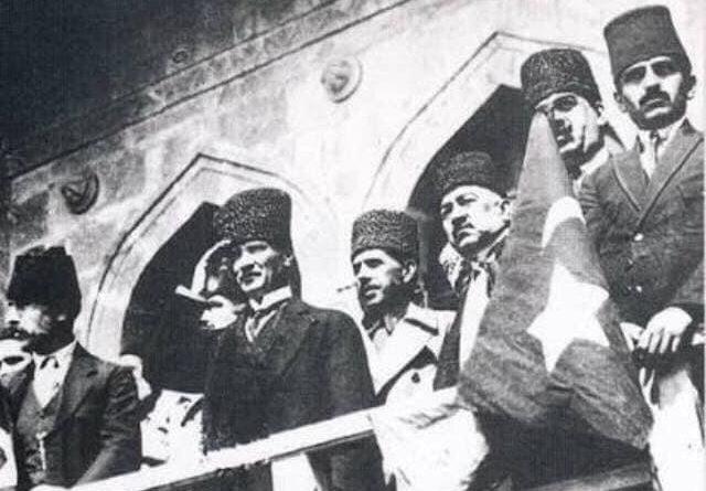 """Amasya'daki İsyancı ile İstanbul'daki """"Padişahın Kölesi""""…"""